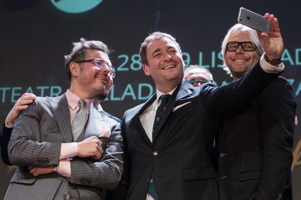 Selfie w doborowym towarzystwie: Sebastian Kotow, Jacek Rozenek i Wojciech Herra